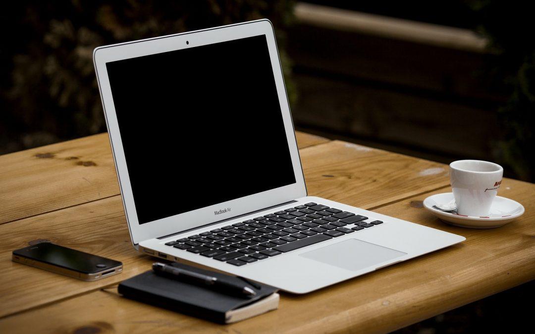 Koulutuksen järjestäminen webinaarina – miksi ja mitä pitää huomioida?