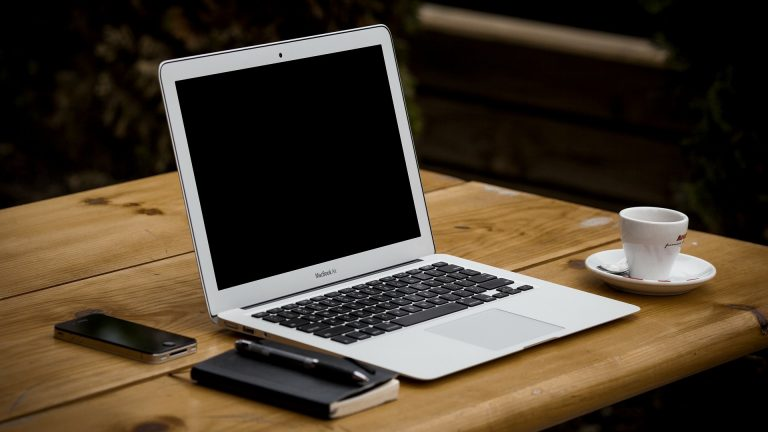 koulutuksen järjestäminen webinaarina